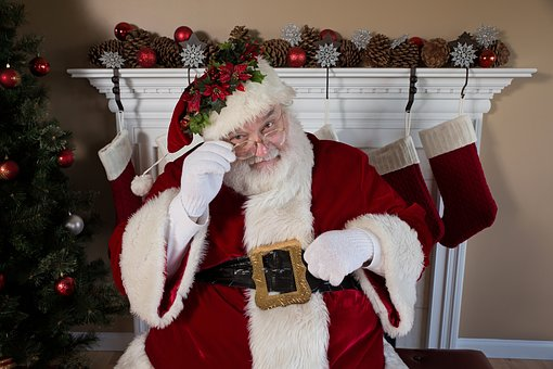 Kako z majhnimi pozornostmi pričaramo čaroben božični večer 2019?